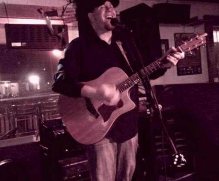 Live Music with Brad Street @ Hank's Filling Station