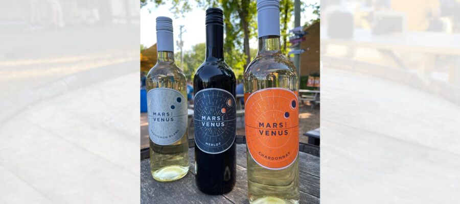 Celebrating National Wine Day with Hank's